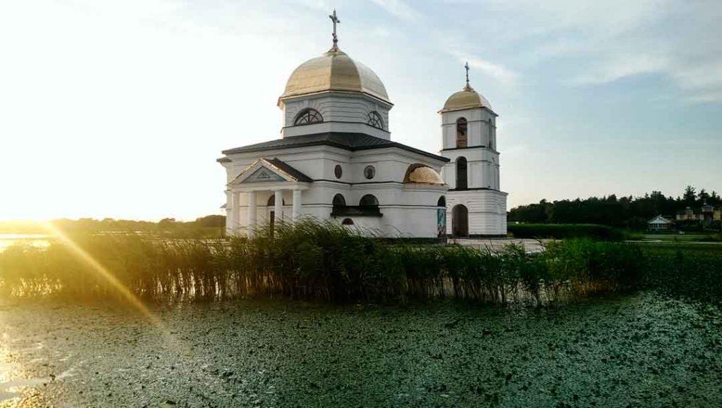 Затоплена церква
